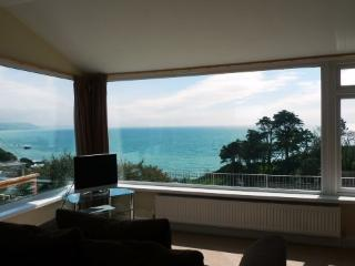 Dual aspect living area with magnificent sea and coastal views