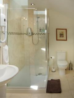 THE COACH HOUSE - the main bathroom with large power shower