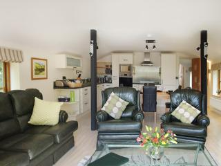 THE COACH HOUSE - triple aspect spacious luxury living