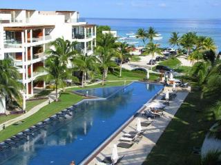 'Oceanfront Privte BeachClub!', Playa del Carmen