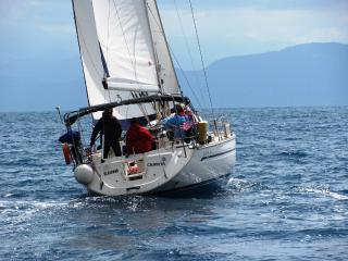 Sailing on a private acht Bavaria 44 with captan