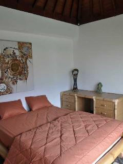 1st guest bedroom.