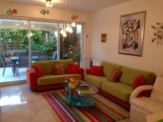 The Garden Apartment, Marina