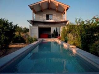 Beautiful villa South France with private pool, sleeps 6