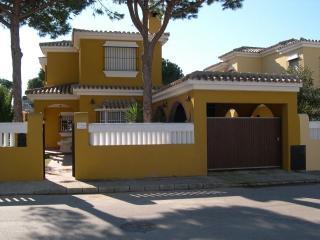 Casa Mª Auxiliadora, playa la barrosa, con piscina privada, 10 personas