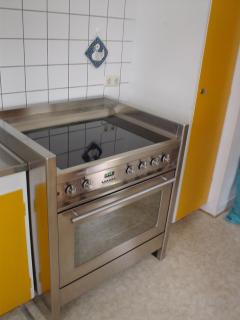 Stove with big oven
