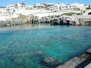 casa vacanza grotta del Conte Castro marina
