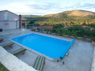 Holiday villa Anna near Trogir, Prgomet