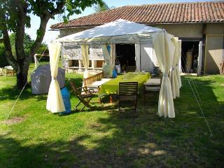The Lavender House - Lilac, Chasseneuil-sur-Bonnieure