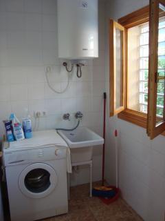 Laundry room on ground floor