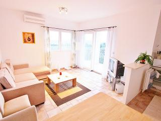 Apartman Mikael, Milna