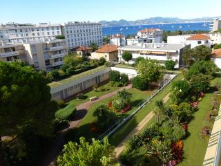 1 bedroom, sea view, sleeps 5, Cannes