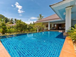 Koh Samui Villa, 3 bedroooms & large swimming pool, Ko Samui