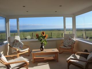 Plas Diwedd, Rhoscolyn, Anglesey - Spacious Cottage with Amazing Sea Views