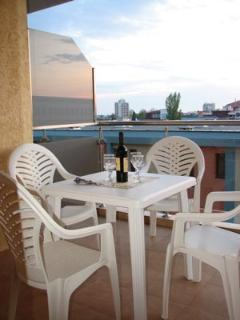 Dine al Fresco on the balcony.