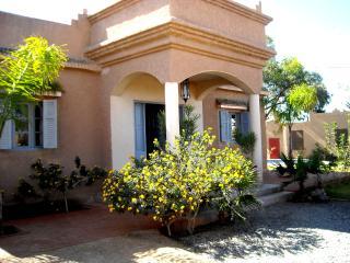 villa climatisee piscine,  jardin takerkoust Maroc
