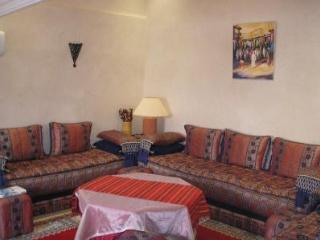 Salon typiquement marocain, convivial et confortable...