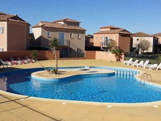 Holiday villa France golf pool, Béziers