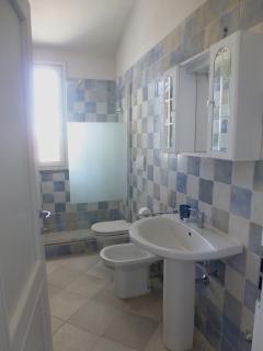 il bagno con la doccia