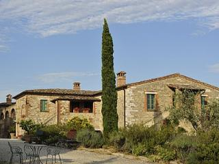 2 bedroom Villa in Bettolle, Tuscany, Italy : ref 5229051