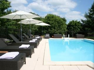 La Chataigne - gite with heated fenced pool and huge child-friendly garden