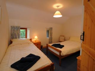 The Linhay Twin Bedroom at Lower Hearson Farm