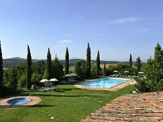 Casabianca Villa Sleeps 4 with Pool Air Con and WiFi - 5229051