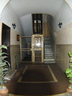 Ingresso palazzo--Entrance