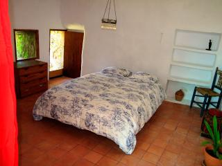 Amazing Independent Room with Private Bath, Bunyola
