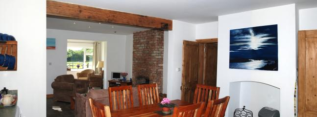 Dining area in Bainvalley Cottage South