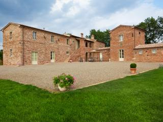 Holiday accomodation in grand Tuscan villa in magn, Bettolle