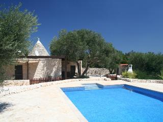 Trullo Serena with solar heated pool, Alberobello