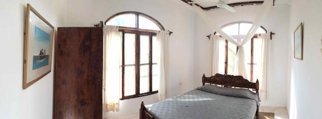 The Starfish bedroom comes with large windows that allow lots of sunlight and swirling ocean air.