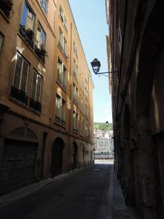 Rue des Augustins, looking towards river Saône