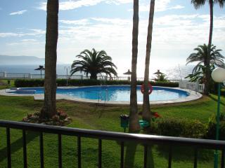 Las Palmeras 14-M, Apt. 2 Bedrooms, Pool, Wi-Fi, Ground Floor, Torrecilla Beach