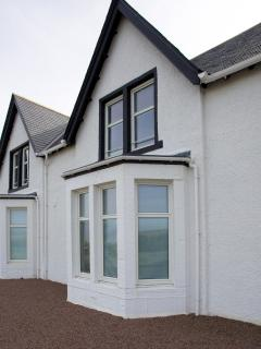 NEW! The Beaches Townhouse situated at the seaside.