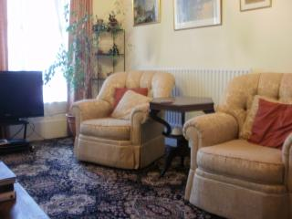Lounge with a rocking armchair! TV, board games, comfy sofa and armchairs