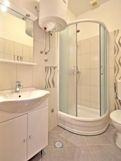 Bathroom of AP 2