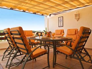 Penthouse with Air Con/Free WiFi/Satellite TV, Estepona
