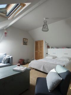 Chambre avec lit 160*200 + coin salon (2ème étage)