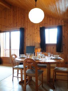 Open plan dining area - seats 6.