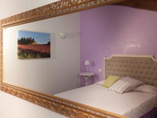 B&B Antico Granaione Wisteria bedroom
