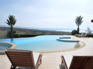 ELITE - 6 Bedroom -  Brilliant Luxury Villa, Argaka