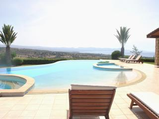 ELITE - 6 Bedrm - Brilliant Luxury Villa Sleeps 14