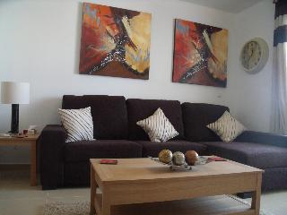 Stylish 2 bed Apt. with pool, Arcos de la Frontera