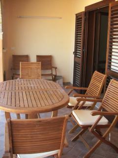 The terrace, living room / Il Terrazzo, salotto