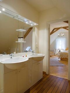 salle de bain 1er étage pour chambre jaune