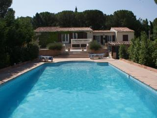 Superb villa in the heart of Provence. 5 bedrooms.