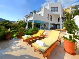 Holiday villa in Kiziltas / Kalkan ,sleeps06 : 022