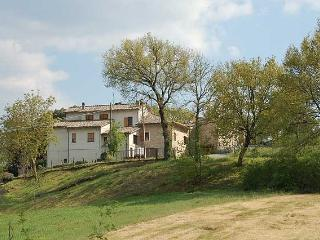 Semidetached house with private pool and garden, Todi